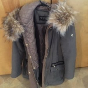 Coat with faux fur collar